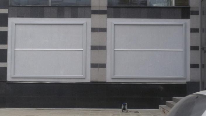 Билбордове /рамки/ за опъване на винил с декоративни капаци за кино Арена