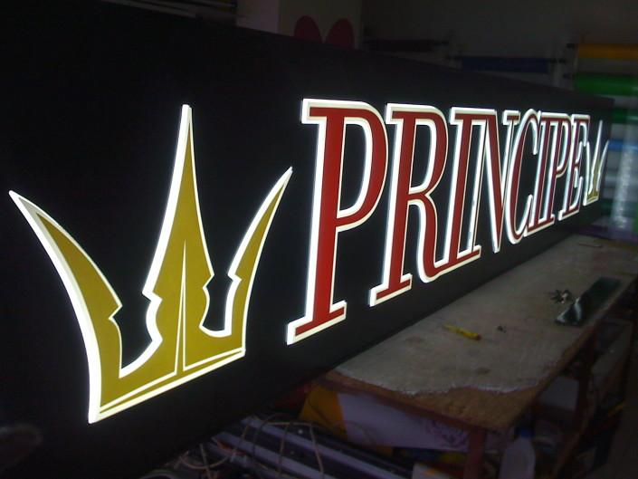 Светеща табела от плексиглас за магазин Principe