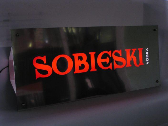 Светеща фасадна реклама от инокс, плексиглас и стъкло за SOBIESKI