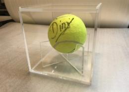 Изработка на плексигласова кутия за тенис топка