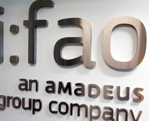 Изработка и монтаж на обемно интериорно лого на ф-ма И-ФАО