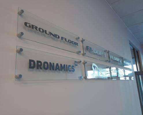 Комплексна информационна визуализация в сградата на Landmark Airport Centre